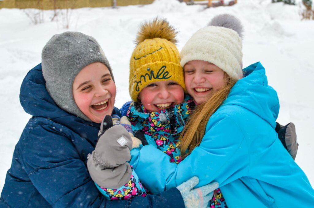 Мороз и снег не помешают сделать фотографию яркой и эмоционально. Вообще замечено что в непогоду фотографии получаются гораздо интереснее и необычнее!
