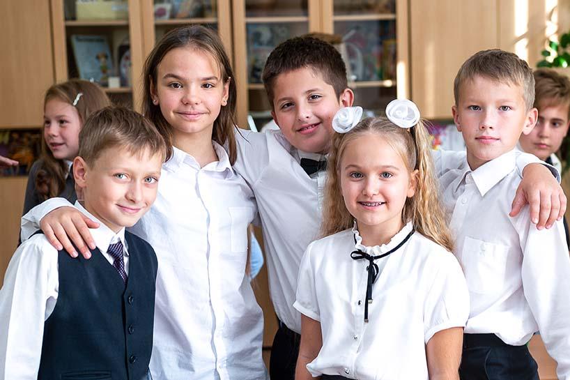 Мелкогрупповая фотография. Школа 4й класс. www.detimiru.ru